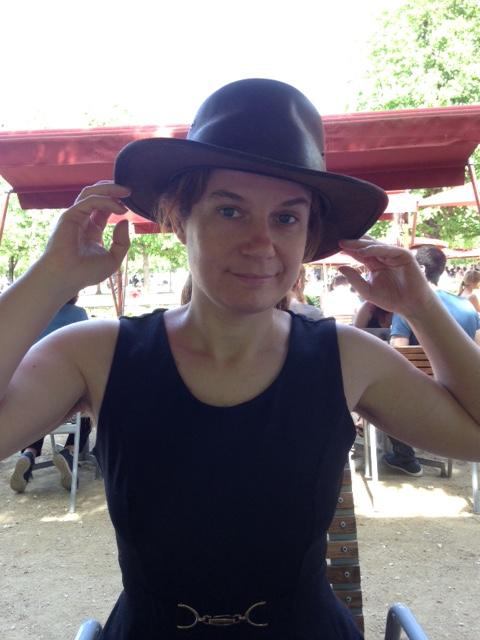 Photo au chapeau